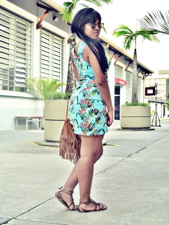 Ágata de Souza _ look com vestido floral 1