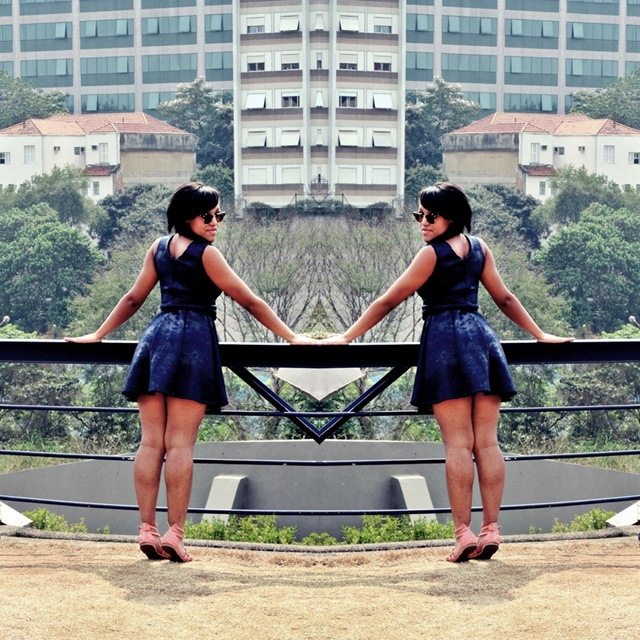 Ágata de Souza - Look com vestido azul rodado 3