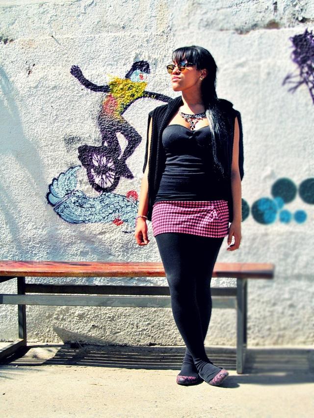 Ágata de Souza - Look com meia calça preta