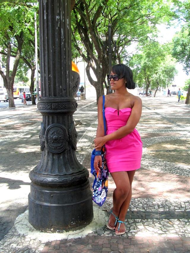 Ágata de Souza - Vestido rosa pink tubinho 1
