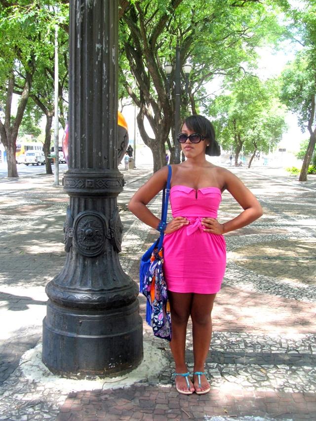 Ágata de Souza - Vestido rosa pink tubinho 2