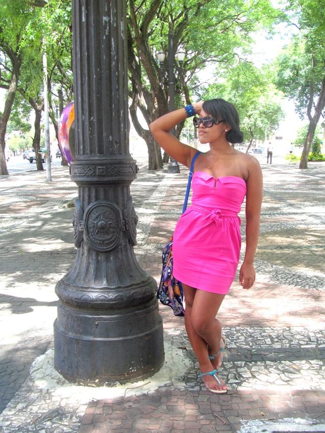 Ágata de Souza - Vestido rosa pink tubinho 4