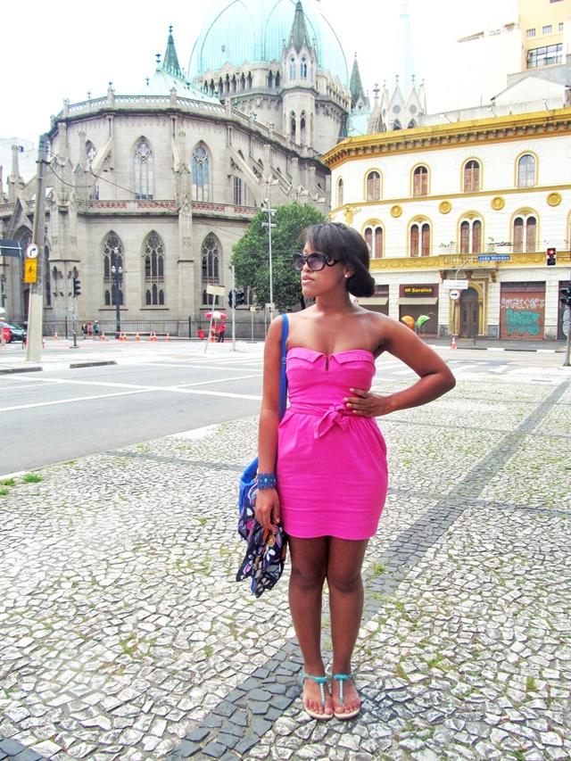 Ágata de Souza - vestido tubinho rosa pink