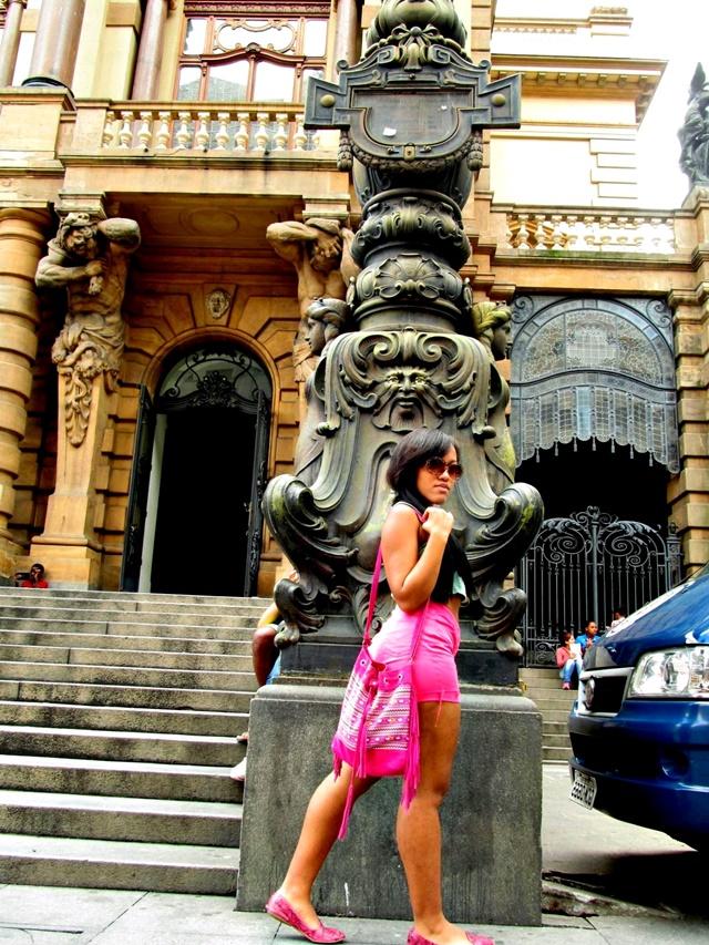 Ágata de Souza - look com short hot pants e cropped 2