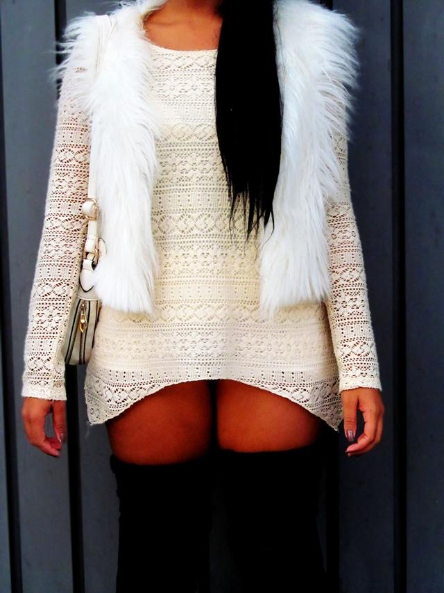 Look com colete de pelos branco - look com colete e short